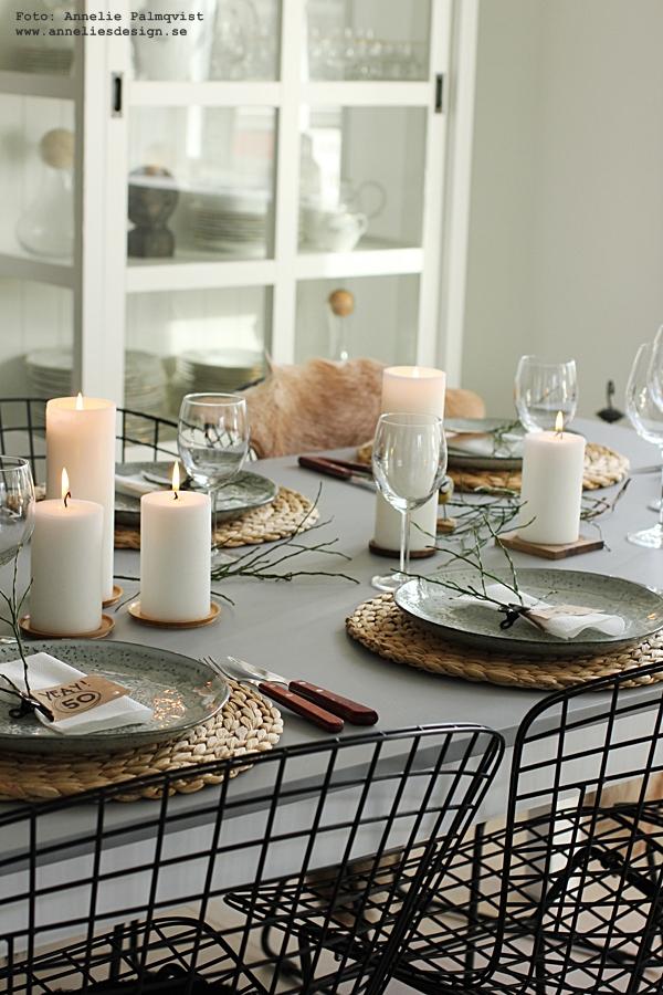 dukningstips, dukning, bordsdukning, 50 år, kalas, fest, tips, stearinljus, blåbärsris, grönt, växter, clips, annelies design , interior, inredning, inredningsdetaljer, köksdetaljer, kök, köket, servetter, servett,