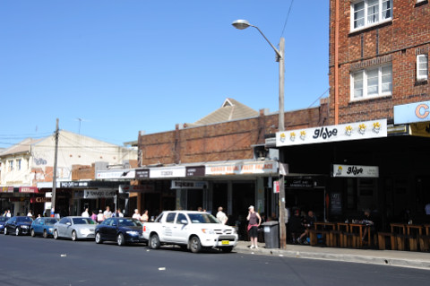 Cooffe shops along Coogee Bay Road