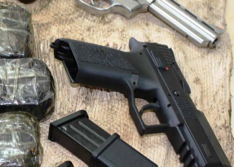 Rebolando na pistola - 5 2