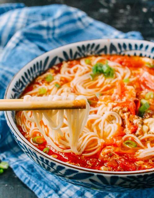 10-Minute Tomato Egg Drop Noodle Soup