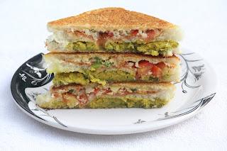 CHICKPEA SANDWICH / CHICKPEAS SANDWICH / CHOLE SANDWICH