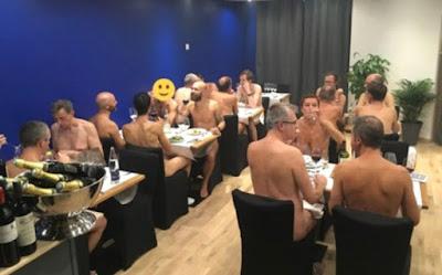 Paris'teki Çıplaklar Restoranı Kapanıyor