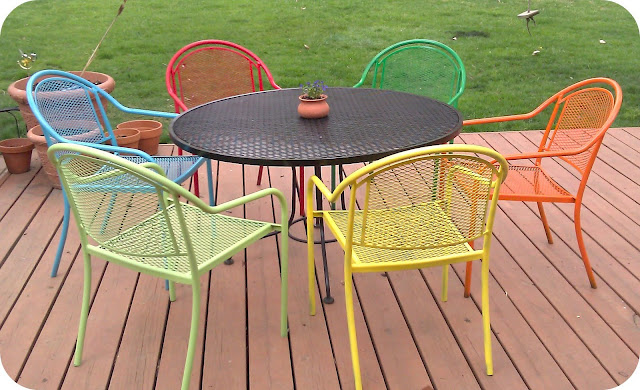 Pin Or Pass: DIY Picnic Table And Updated Plastic Chairs