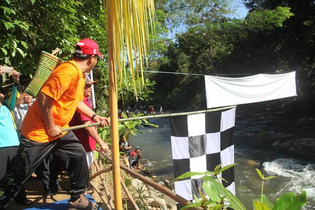 Festival Loksado 2: Balanting Paring Susuri Sungai Amandit Loksado - Tanuhi