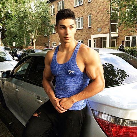 Andrei Deiu: Back & Arms Workout