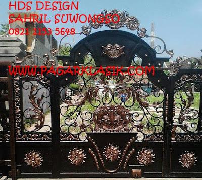 pintu pagar klasik untuk menhiasi rumah mewah