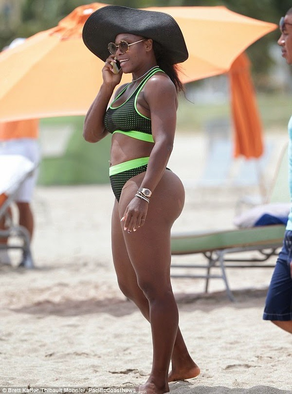 The very sexy serena and her cucumber - 1 2