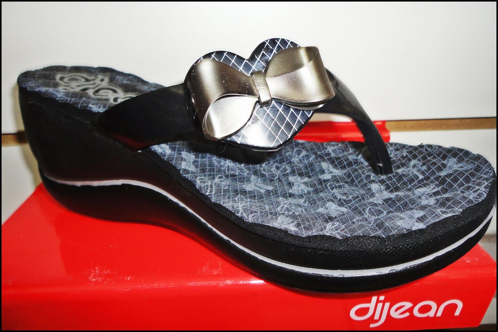 11fc9670a2 Novos modelos Azaleia Dijean.  Sujeito à disponibilidade de estoque.  Postado por Lojas Budiski ...