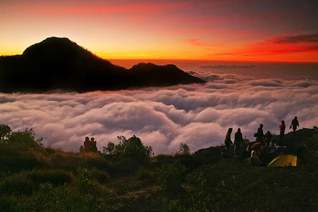 Sunset Plawangan Sembalun 2639 meter