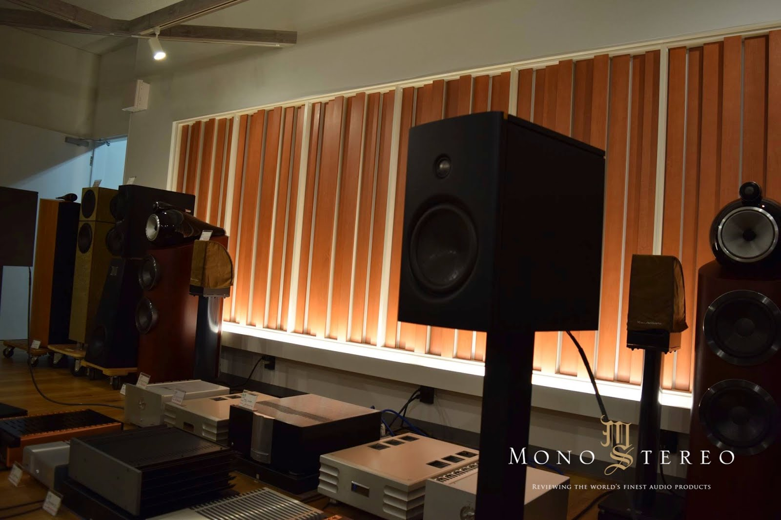 Japanese High End Audio Shop Gear Galore