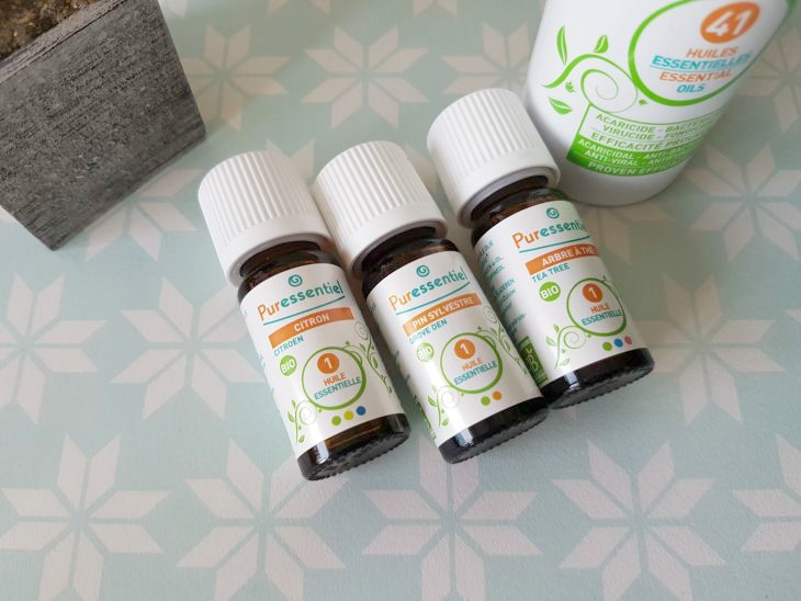 faire ses propres produits m nagers avec les huiles essentielles puressentiel et aur lie. Black Bedroom Furniture Sets. Home Design Ideas