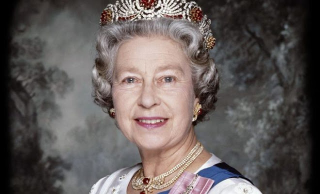happy birthday queen elizabeth ii of england is 90 year old today photos. Black Bedroom Furniture Sets. Home Design Ideas