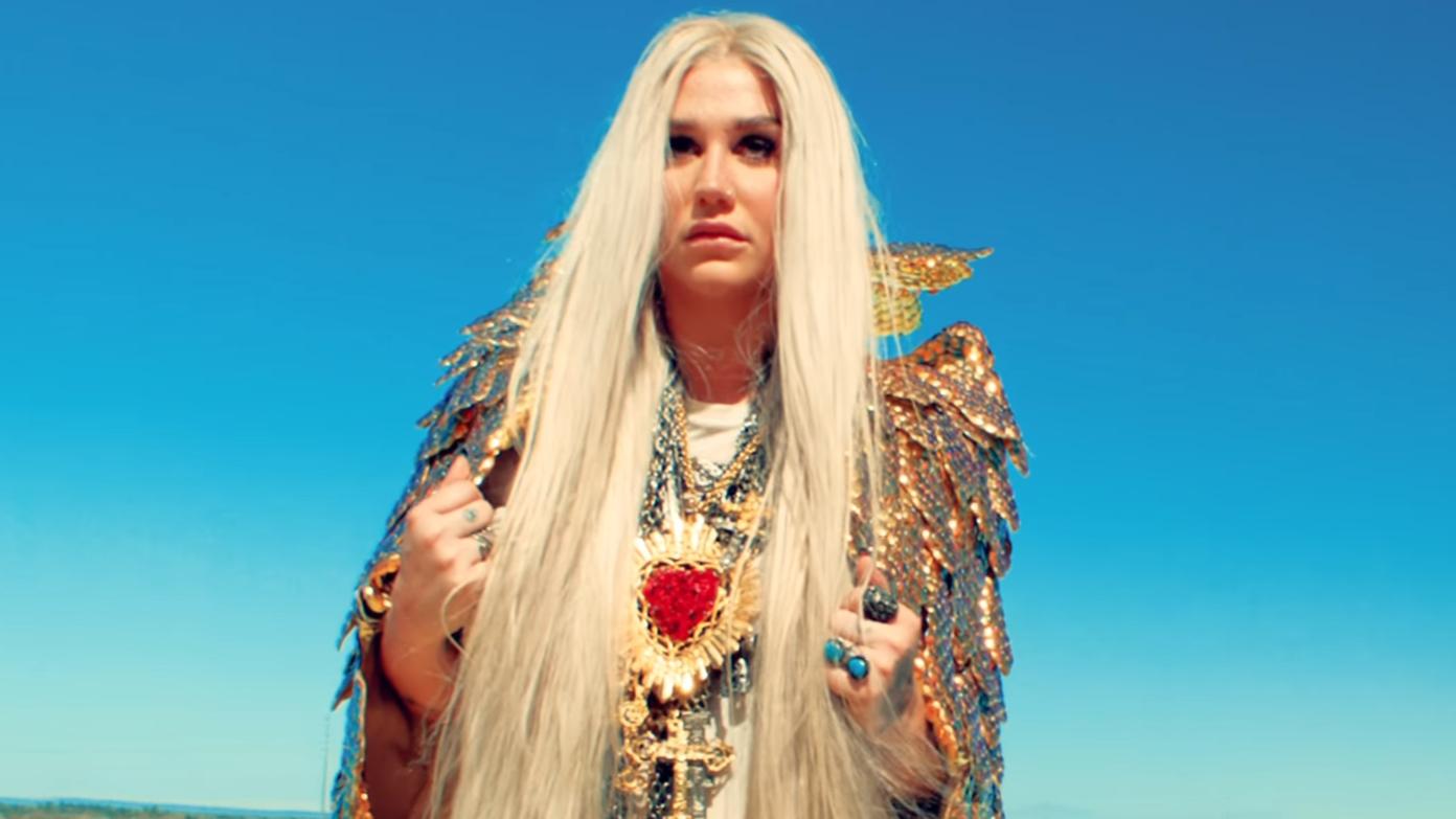 A gente nunca torceu tanto por um comeback quanto o da Kesha e agora, finalmente, ela está de volta!