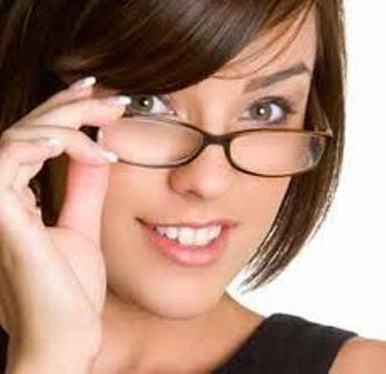 Tips Memilih Kacamata Hitam Untuk Wajah Bulat