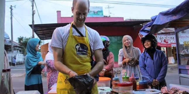 5 ekspatriat Berprofesi Unik di Indonesia