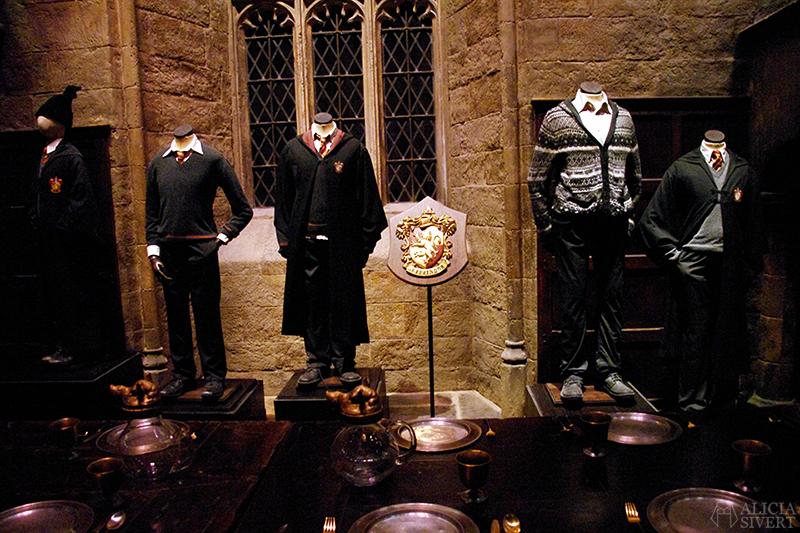aliciasivert alicia sivert sivertsson harry potter hogwarts leavesden london england warner brothers studio tour the making of gryffindor slytherin hufflepuff ravenclaw film films movie movies the great hall den stora salen