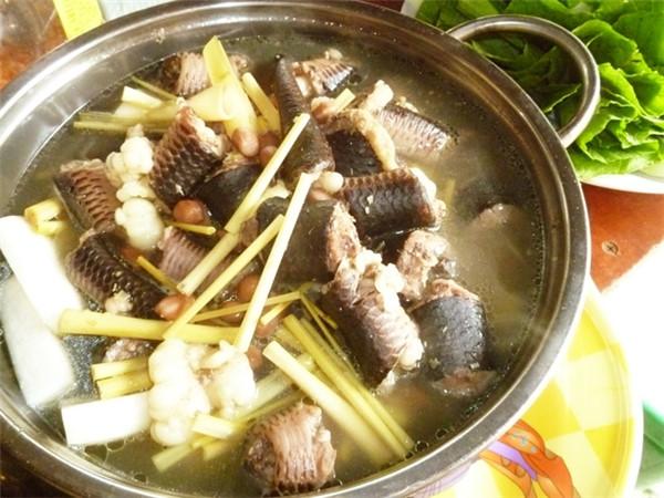 Một số món ăn thơm ngon bổ dưỡng chế biến từ thịt rắn