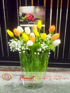jual bunga tulip, rangkaian bunga tulip, bunga tulip ulang tahun, toko bunga di jakarta, karangan bunga tulip, bunga tulip putih, bunga tulip kuning, bunga tulip orange