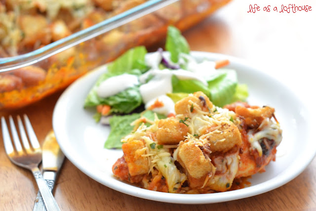 Chicken Parmesan Bake is chicken breasts covered in marinara sauce, basil, cheese and croutons. Life-in-the-Lofthouse.com