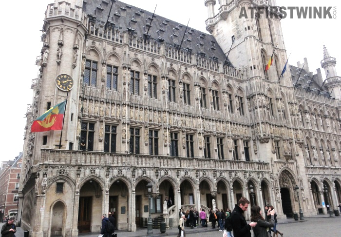 Stadhuis van Brussel (Town Hall) clock and flag
