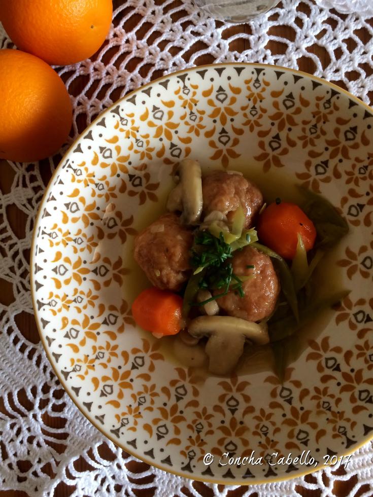 albóndigas-pollo-pimentón-plato