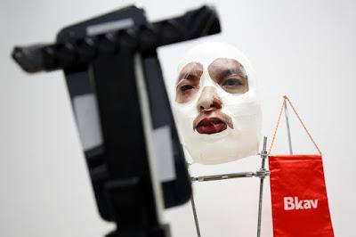 Pesquisador vietnamita cria máscara que engana reconhecimento facial do iPhone X