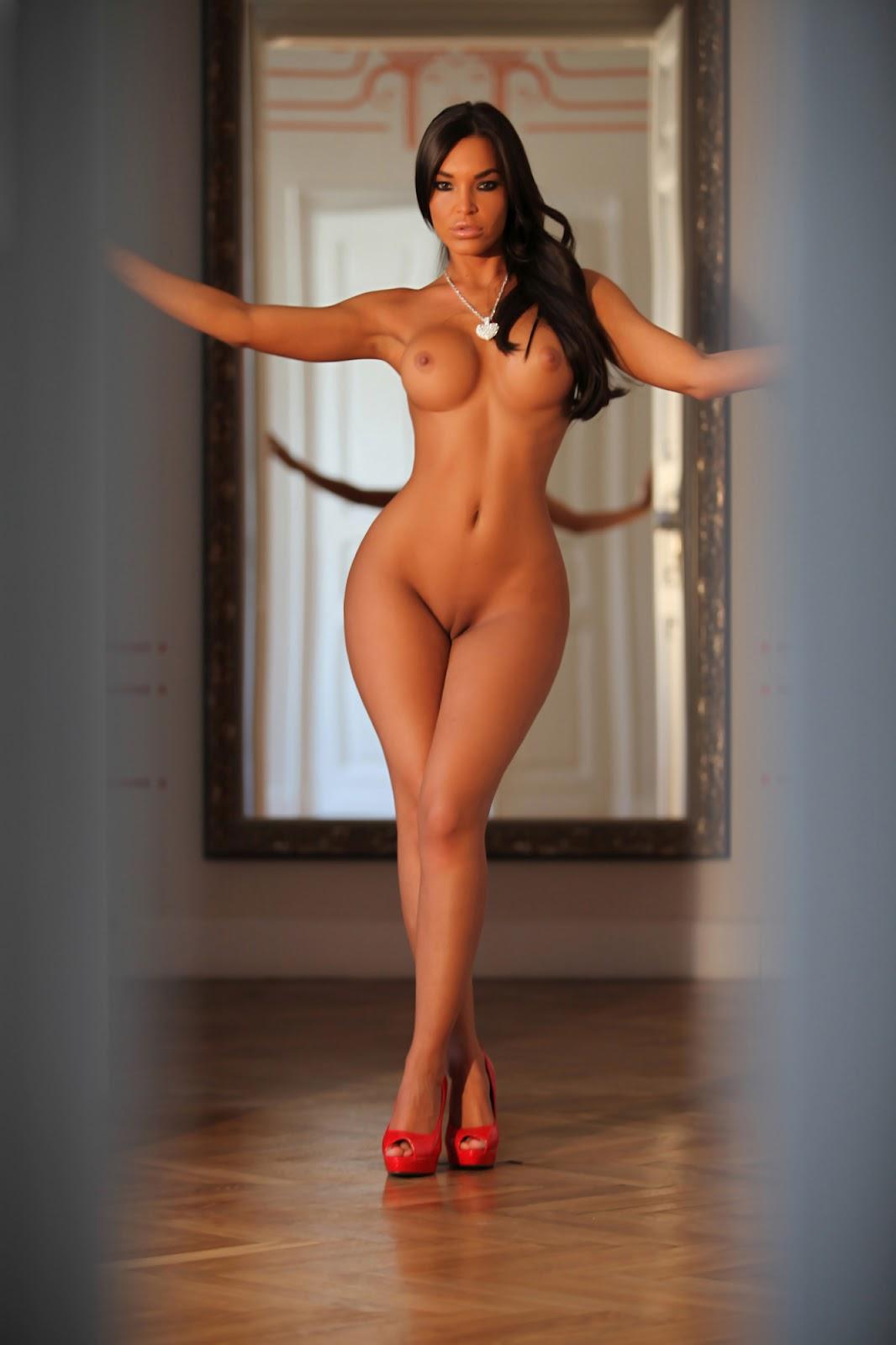 голые бабы с точеной фигурой фото