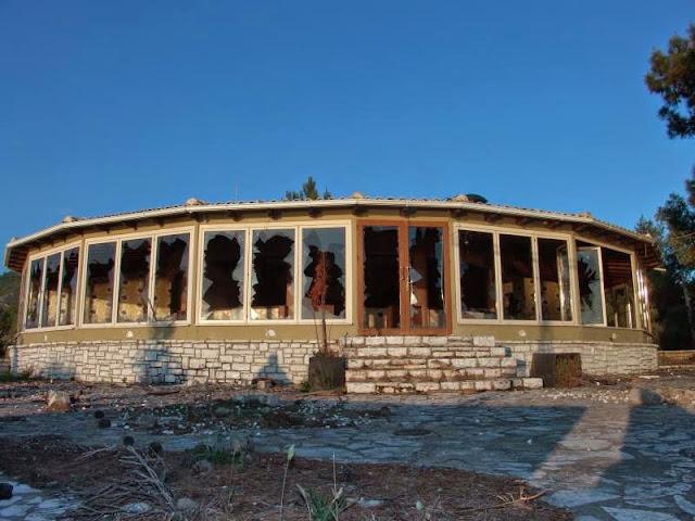 Εγκατάλειψη και πλήρης αδιαφορία το ΑΠΟΛΙΣ και τα παραλιακά καταστήματα του Δρεπάνου - Του Ιωάννη Θεοχάρη