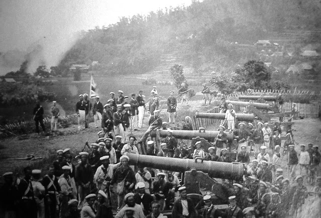 British soldiers in a Shimonoseki Battery, 1864