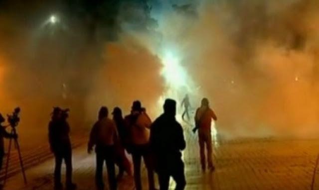 Τίρανα: Συγκρούσεις ανάμεσα σε αστυνομία και διαδηλωτές με τραυματίες