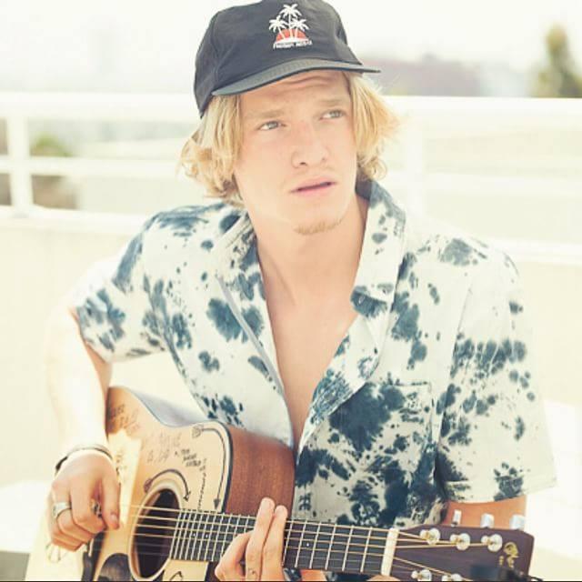 Urobil Cody Simpson datovania Victoria Duffield