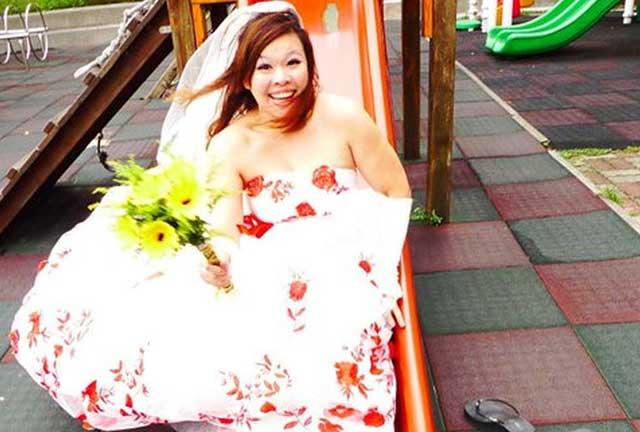 Tanpa Pasangan Orang Ini Menikah Dengan Dirinya Sendiri
