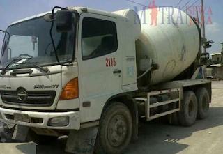 harga truck mixer