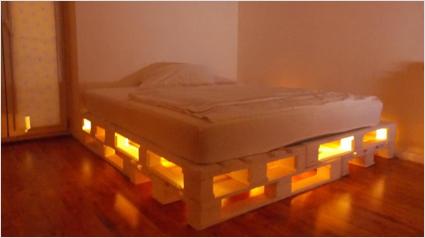 Franco alfei costruire con bancali for Creare mobili