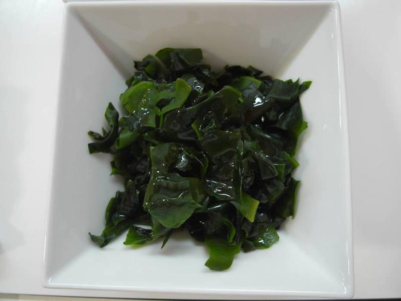 alga wakamé
