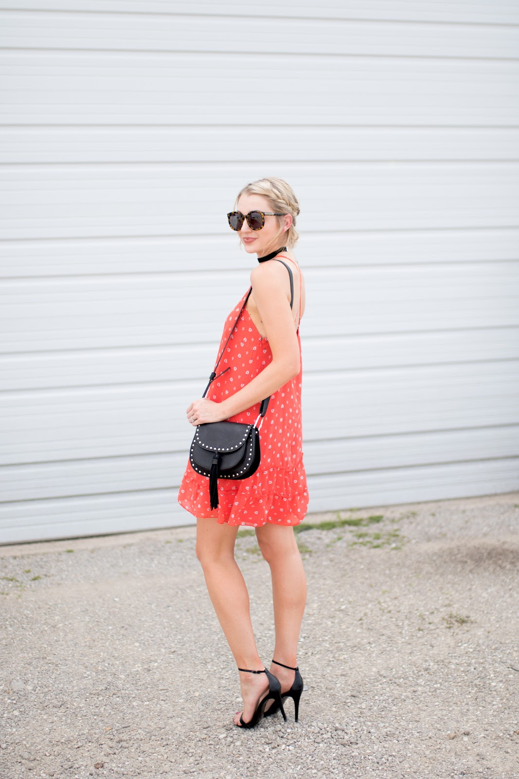 Red and black summer outfit