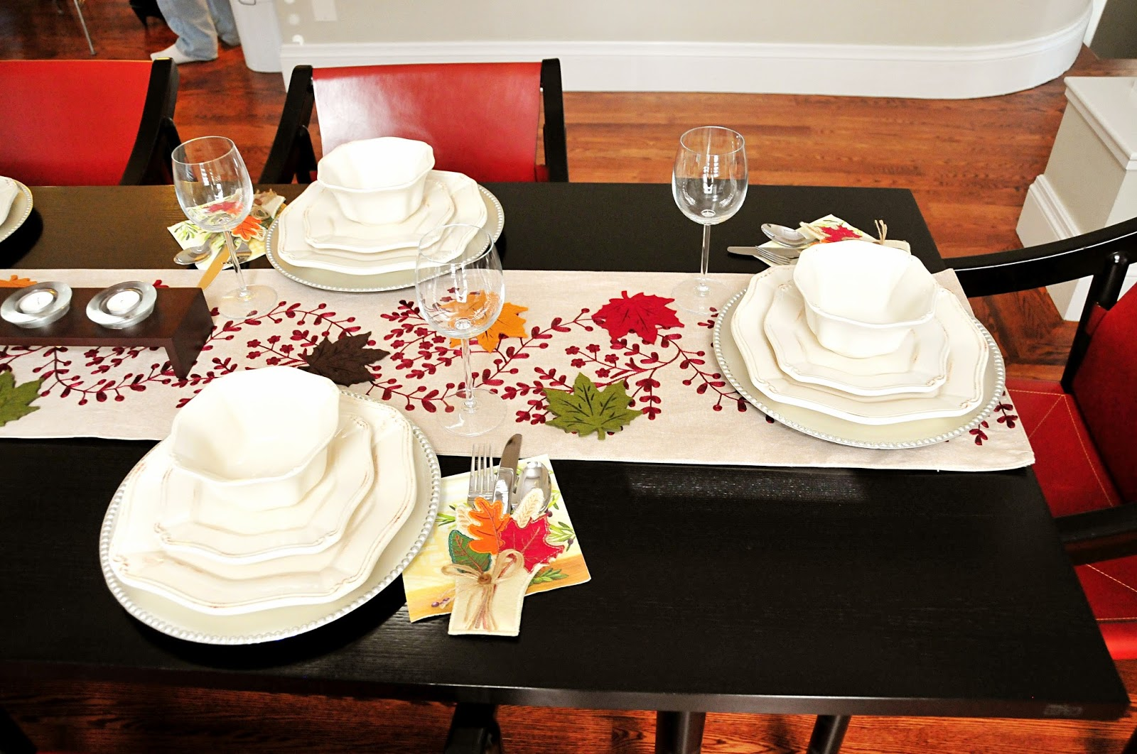 thanksgiving table setting decor ideas burgundy dinner