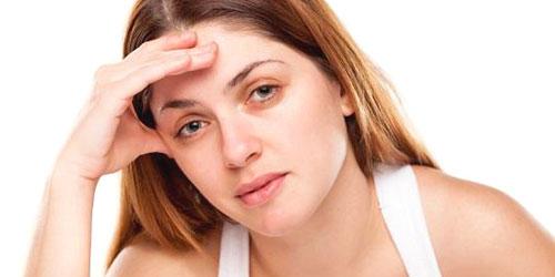 ¿Que causa las bolsas y ojeras?