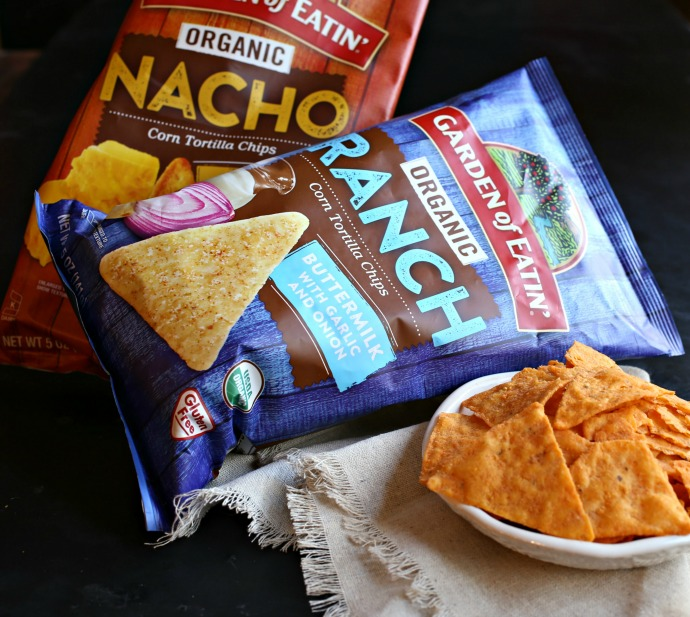 Ideas for game day sandwiches, snacks, dips and drinks.
