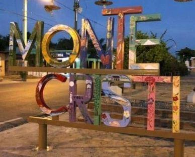 Letretro de medio millón de pesos en la entrada de Montecristi genera discusiones Dicen no costo eso