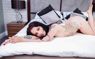 Wild lesbian - Alessa%2BSavage-S01-021.jpg