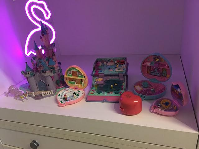 exposição de brinquedos retrôs e antigos