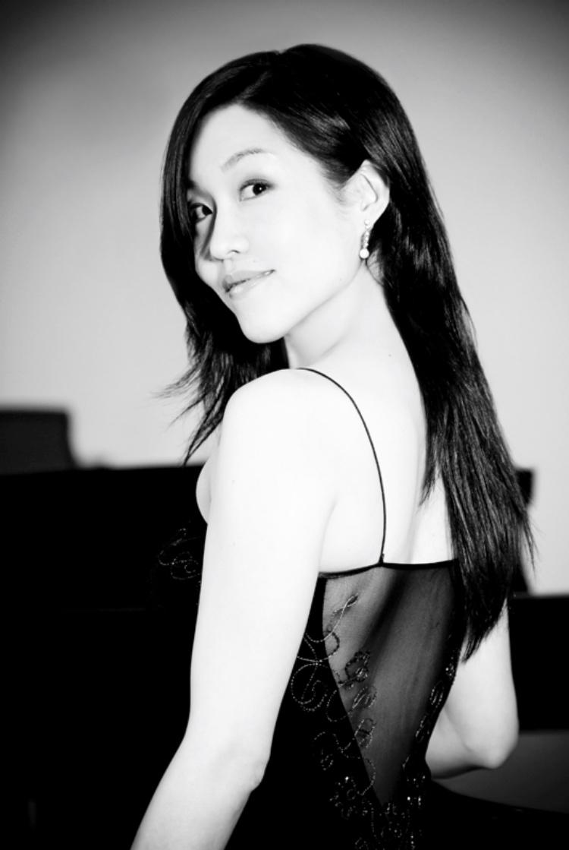 Soprano Lena Lee