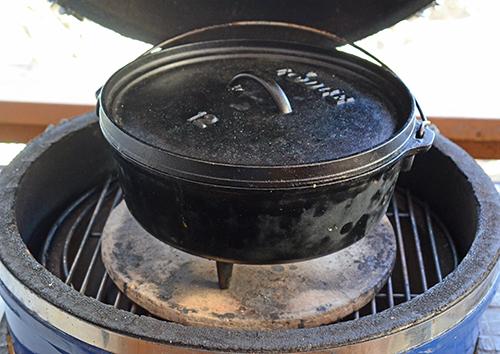 Lodge Dutch Oven on a kamado grill