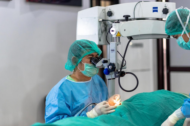 Zeiss ophthalmic microscope for surgery
