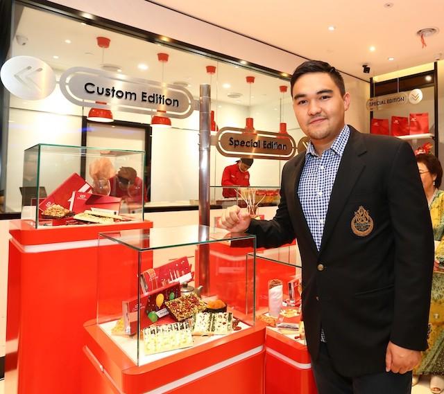 "Duli Yang Teramat Mulia Raja Muda Selangor, Tengku Amir Shah ibni Sultan Sharafuddin Idris Shah Al-Haj was invited to officiate the KitKat ""Chocolatory"" concept store"