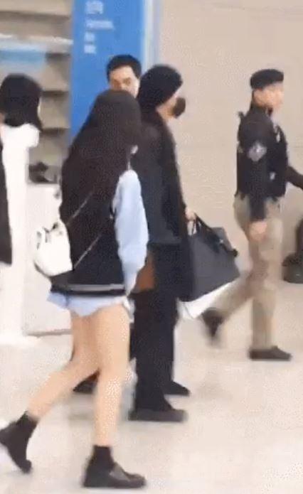 Sasaeng Sin Pantalones Es Vista Despues De Bts En El Aeropuerto De Incheon Generacion Kpop Noticias K Pop En Espanol