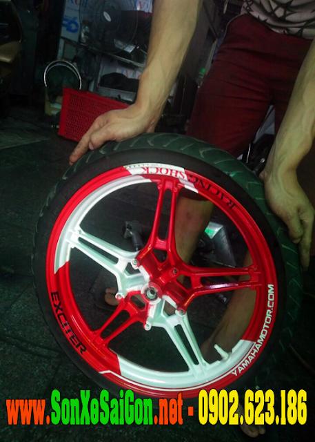Sơn tem đấu mâm xe Exciter màu trắng đỏ cực đẹp