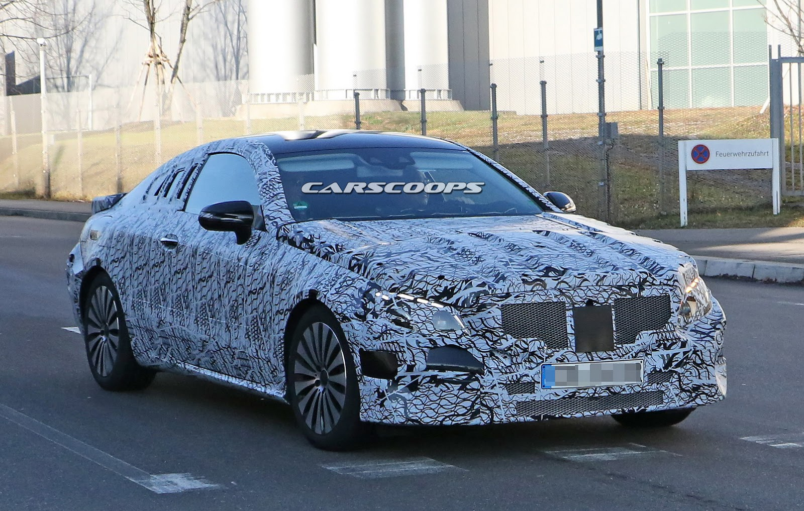 2018 mercedes benz e class coupe spied for the first time. Black Bedroom Furniture Sets. Home Design Ideas