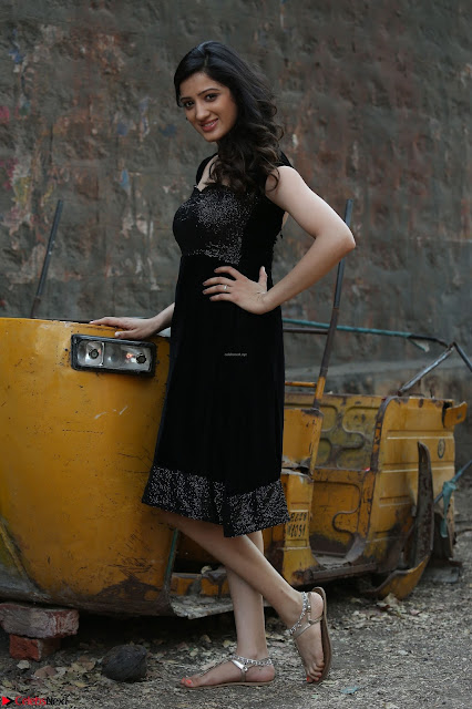Richa Panai In Rakshaka Bhatudu HD Pics 04.JPG